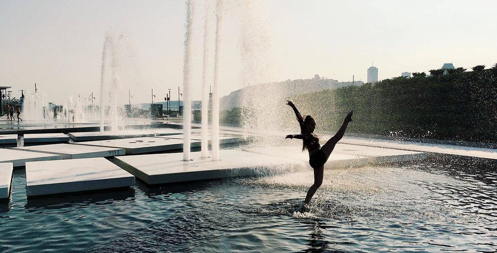 Surface - Danse - Fontaine Quai Paquet