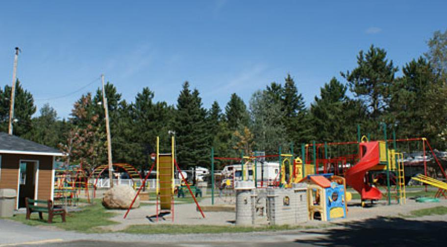 Camping La Roche d'Or - parc d'amusement