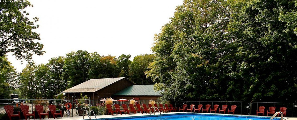 Camping le domaine champ tre campground saint vallier for Piscine vallier