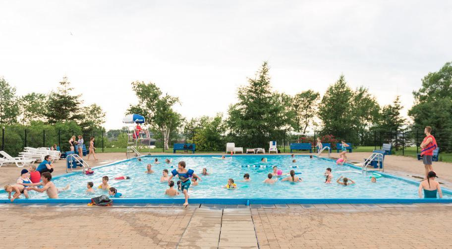 Camping Pointe-aux-Oies piscine